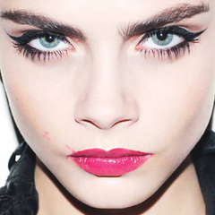 Cara Delevingne cat eye makeup