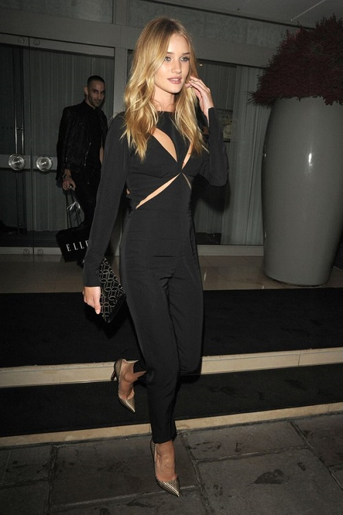Rosie-Huntington-Whiteley-mono-negro