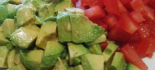 aguacate y tomate