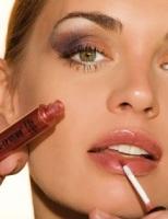 Ahorra tiempo y bolsillo con un maquillaje multiusos